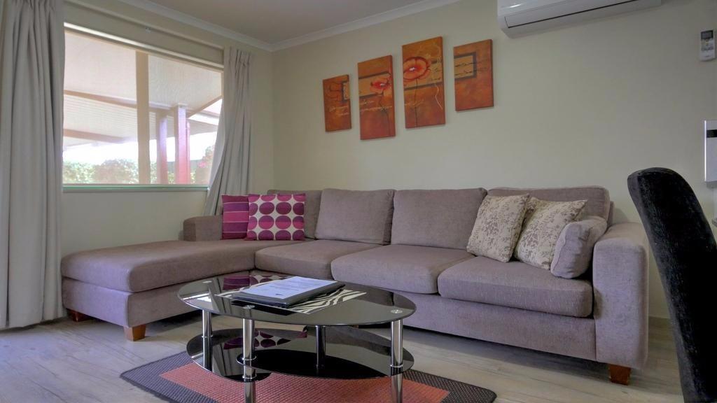 lounge1-u3.jpg.1024x0